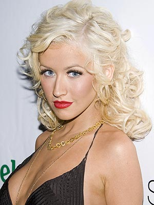 http://tulavido.files.wordpress.com/2009/06/christina_aguilera_300x400.jpg